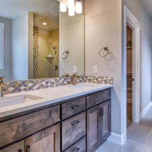 03 master Bathroom