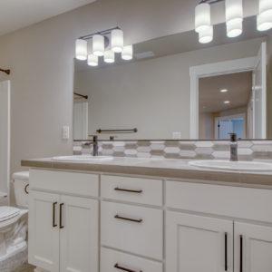 03 Bathroom